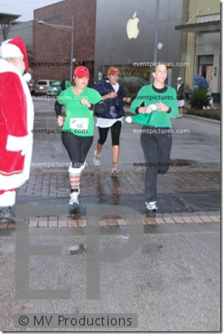 jingle-bell-5k-photo-finish